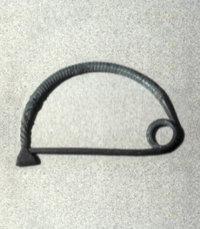 Fibula ad arco semplice in bronzo